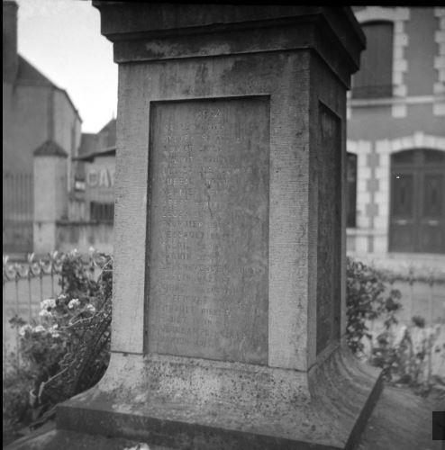 Fournier monument